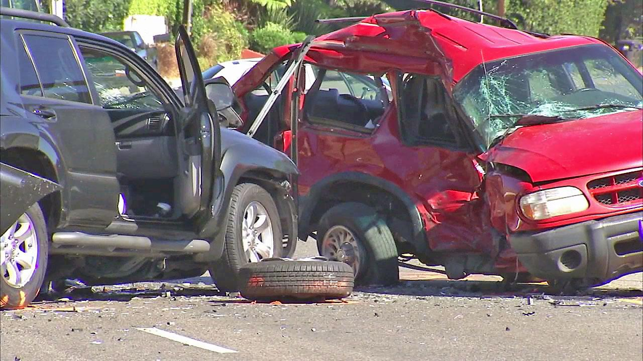 1 Dead In Violent 3 Car Crash On Pch Malibu