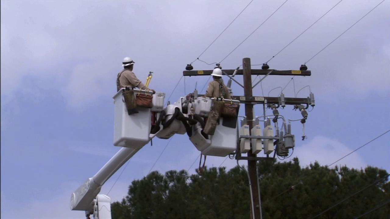 Southern California Edison crews are seen in this file photo.