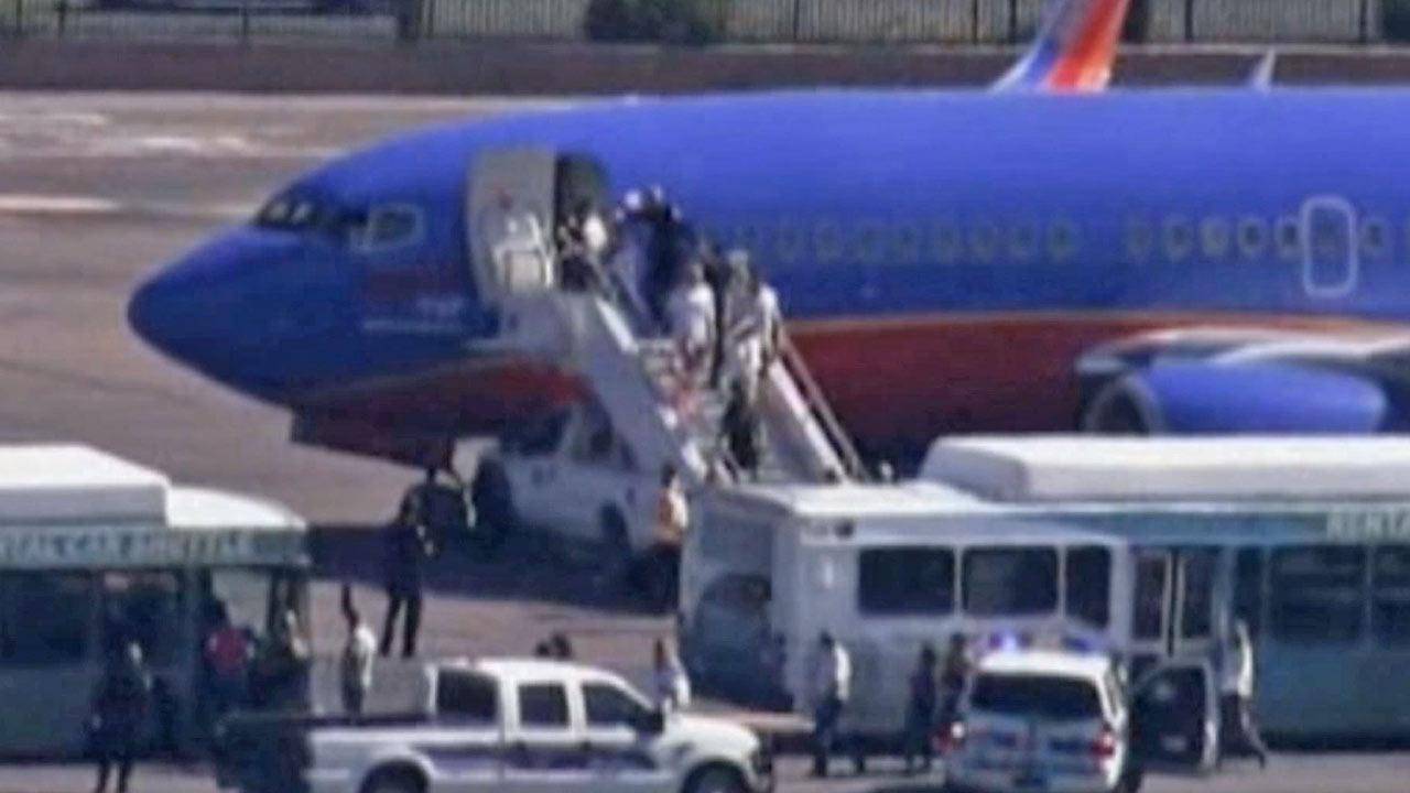 Threat forces LA-to-Texas flight to land in Ariz.