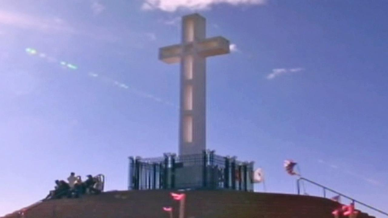 A war memorial atop Mount Soledad in the shape of a cross is shown in this undated file photo.