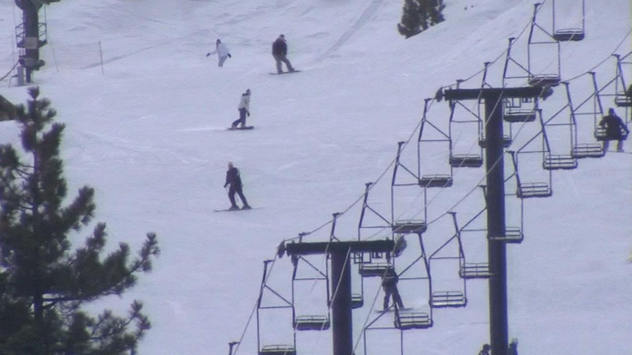 For some folks in Southern California, Christmas Day happiness came in the form of fresh powder, skis and snowboards.