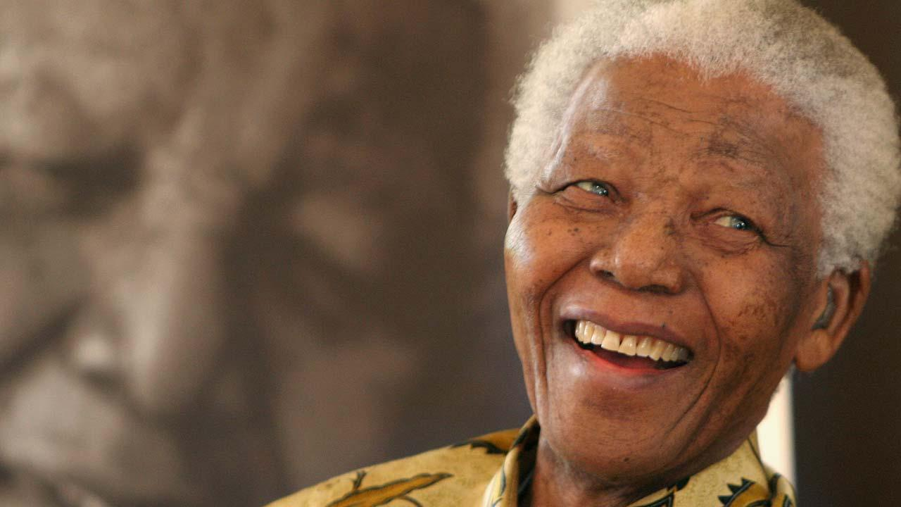 Nelson Mandela hospitalized for reoccurring lung infection