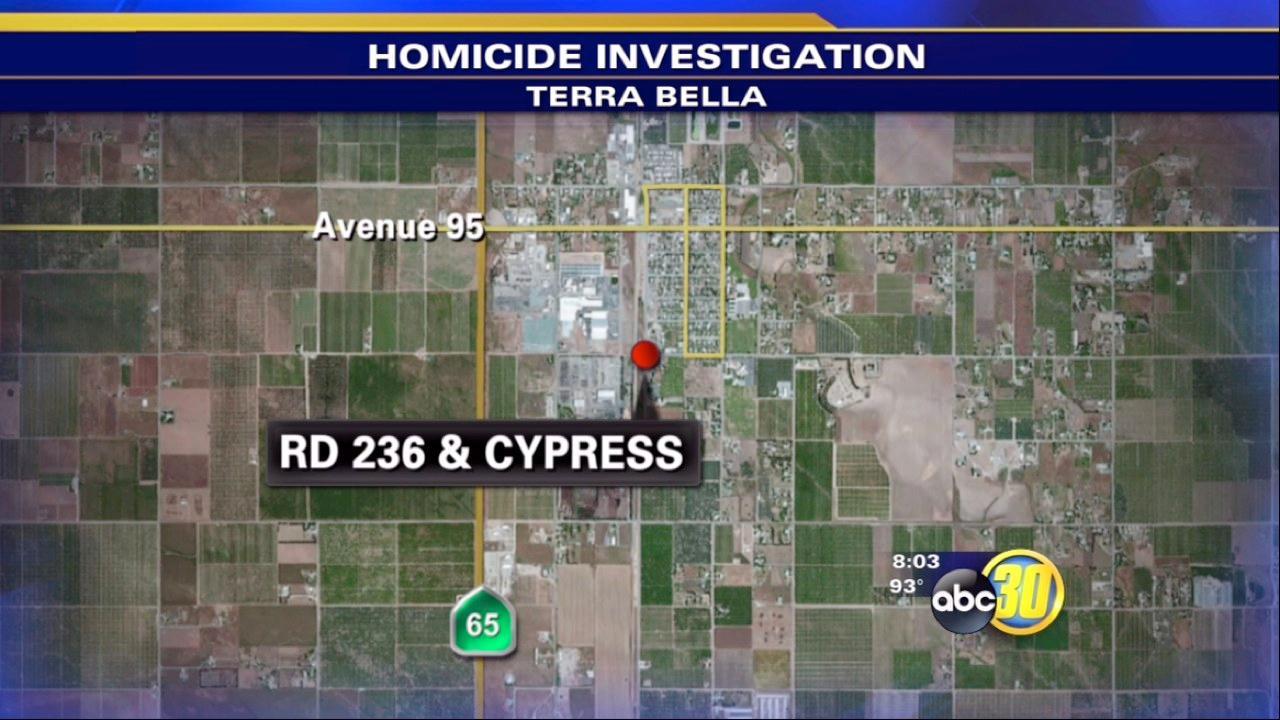 Authorities look for Terra Bella stabbing suspects