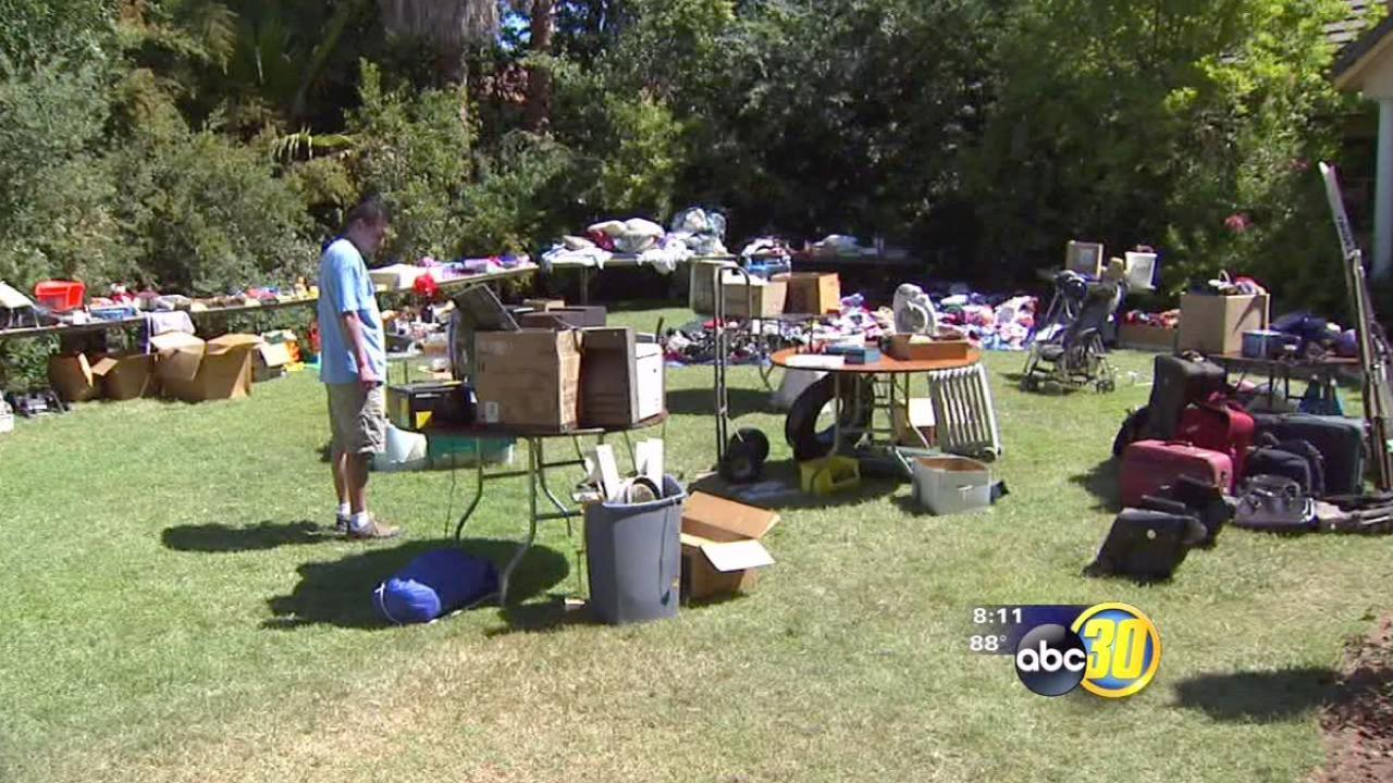 Zoo employees hold yard sale for conservation projects