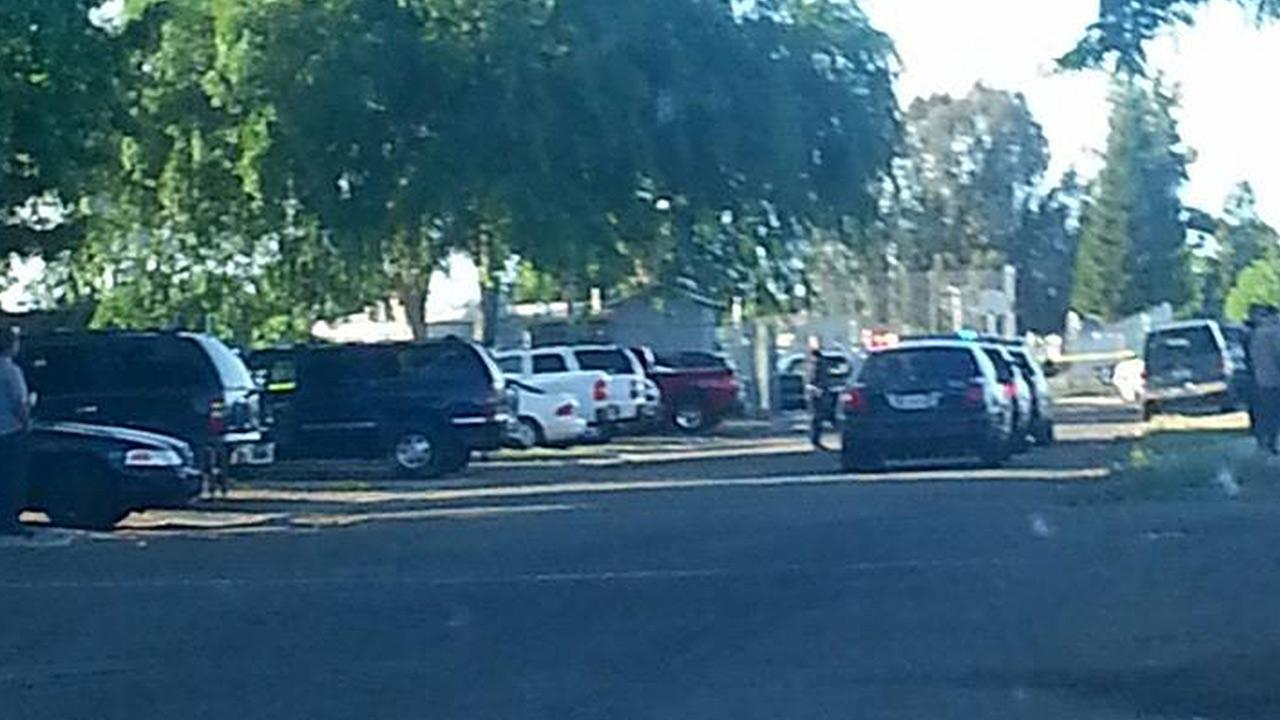 Reedley police are looking for suspects after they say a man was stabbed in the upper torso on Sunday.