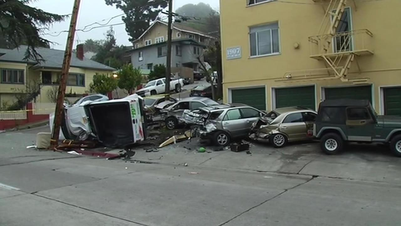 Man driving stolen U-Haul truck smashed into three cars in Oakland