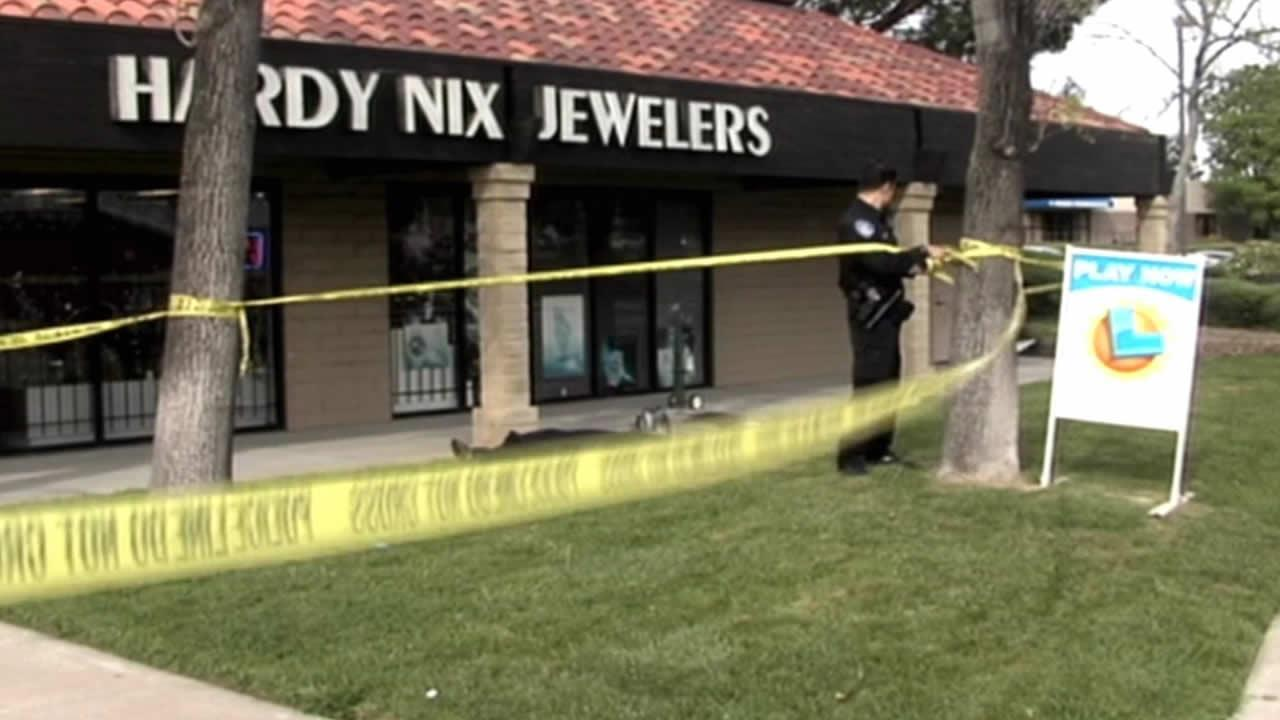 Hardy Nix Jewelry store on Delta Faire Boulevard
