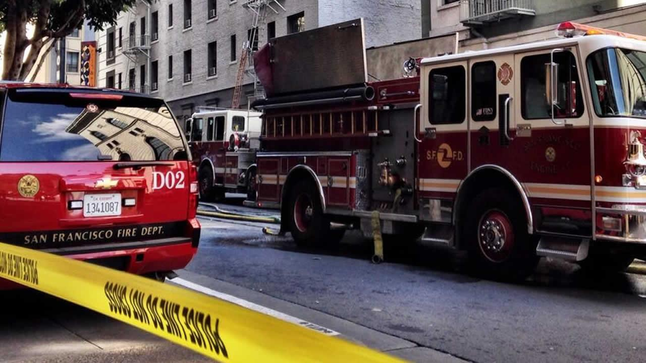 Crews battle fire at Burger King in downtown San Francisco