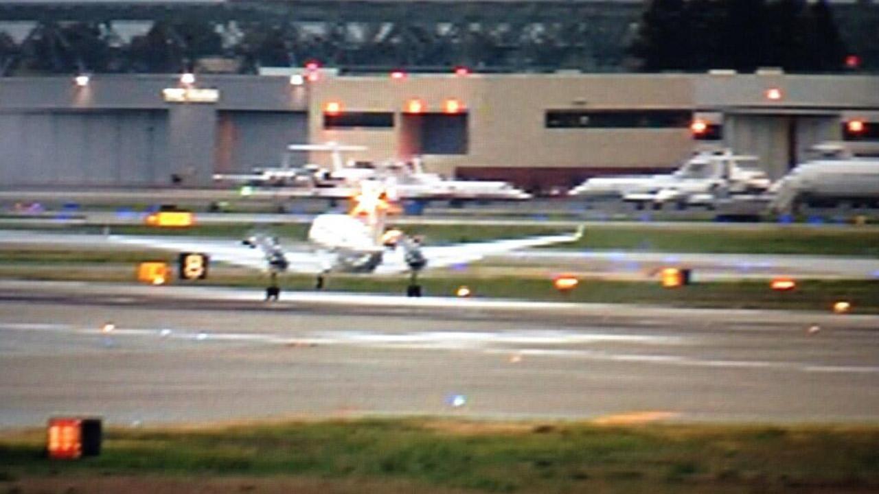 Emergency landing at Mineta San Jose International Airport