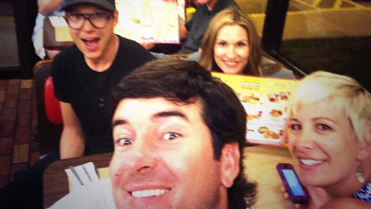 Bubba Watson at a Waffle House (Courtesy Bubba Watson via Twitter)