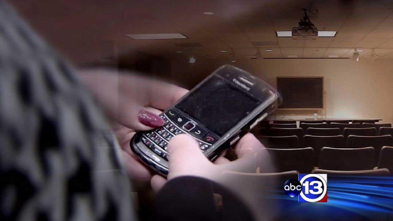 Smartphones, tablets latest targets in hacking, viruses