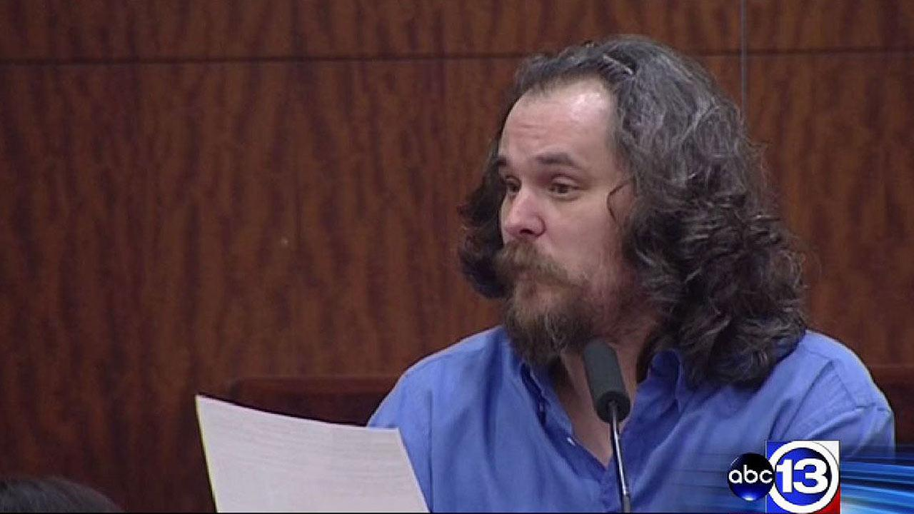 Accused wife killer takes stand 3 times while representing himself at trial