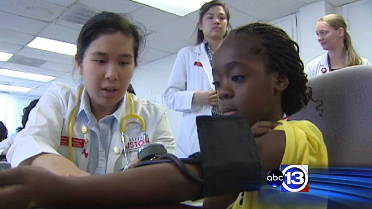 Medical community reaches out to refugees in Houston