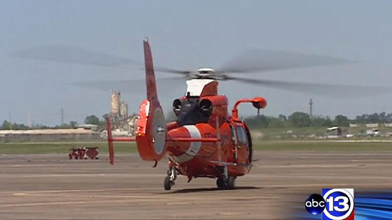 Coast Guard rescues one boater, searching for four others in Gulf of Mexico