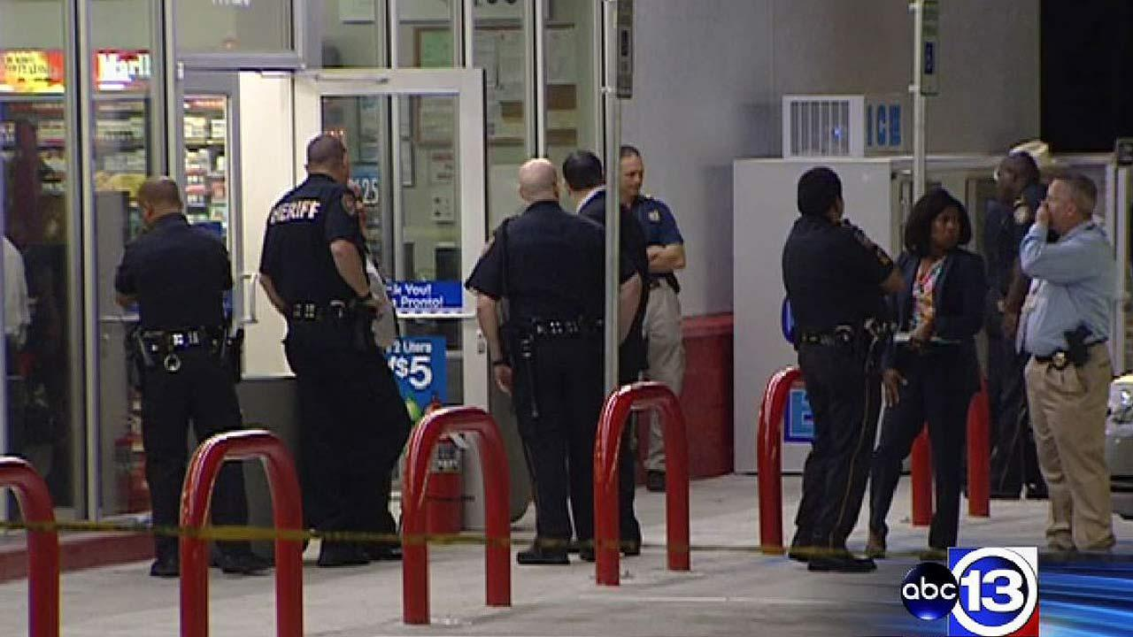 Deputy fatally shoots man at gas station in NW Harris Co.