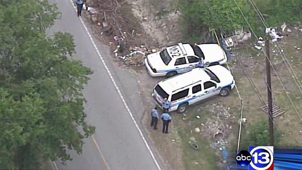 Scrap yard owner fatally shoots trespasser in northeast Houston