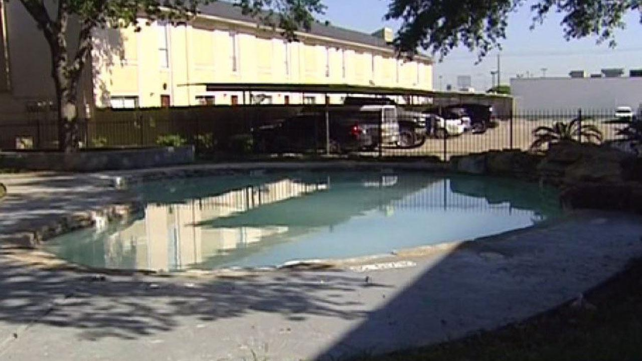 Police investigating drowning death of 5-year-old southwest Houston boy