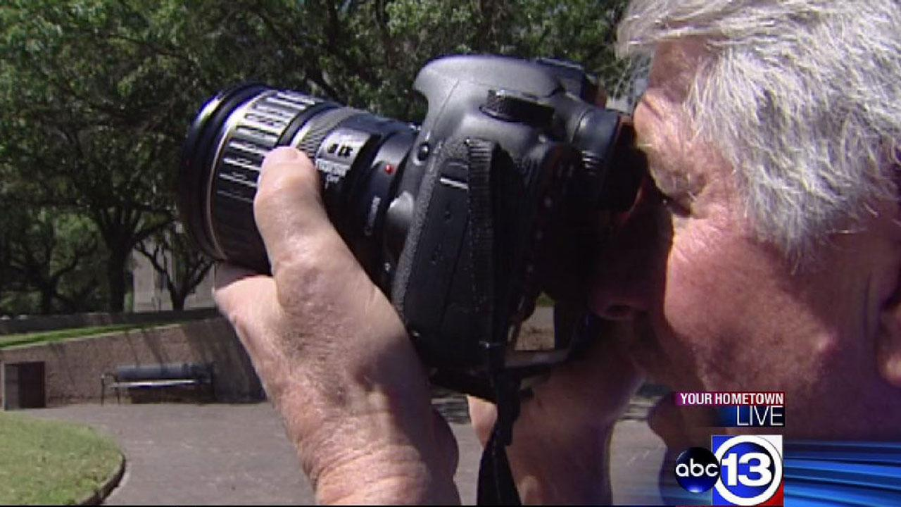 Legally blind photographer Ron Johnson has unique talent