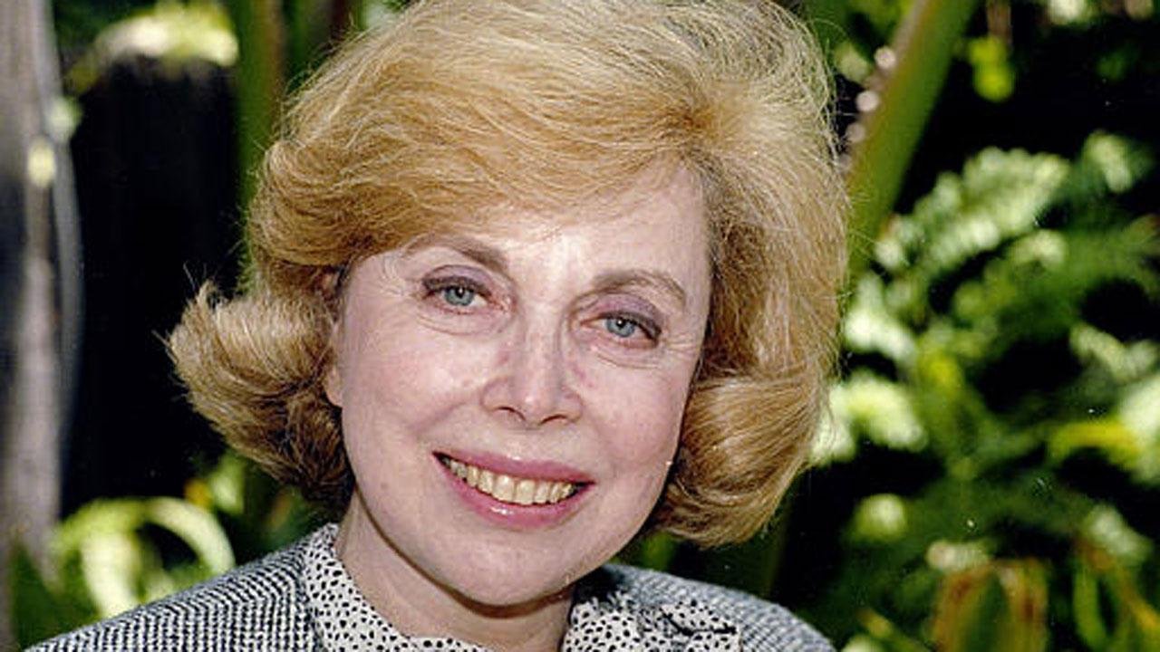 Dr.Joyce Brothers shown in a photo in Los Angeles, Sept. 1, 1987  (AP Photo/Nick Ut)