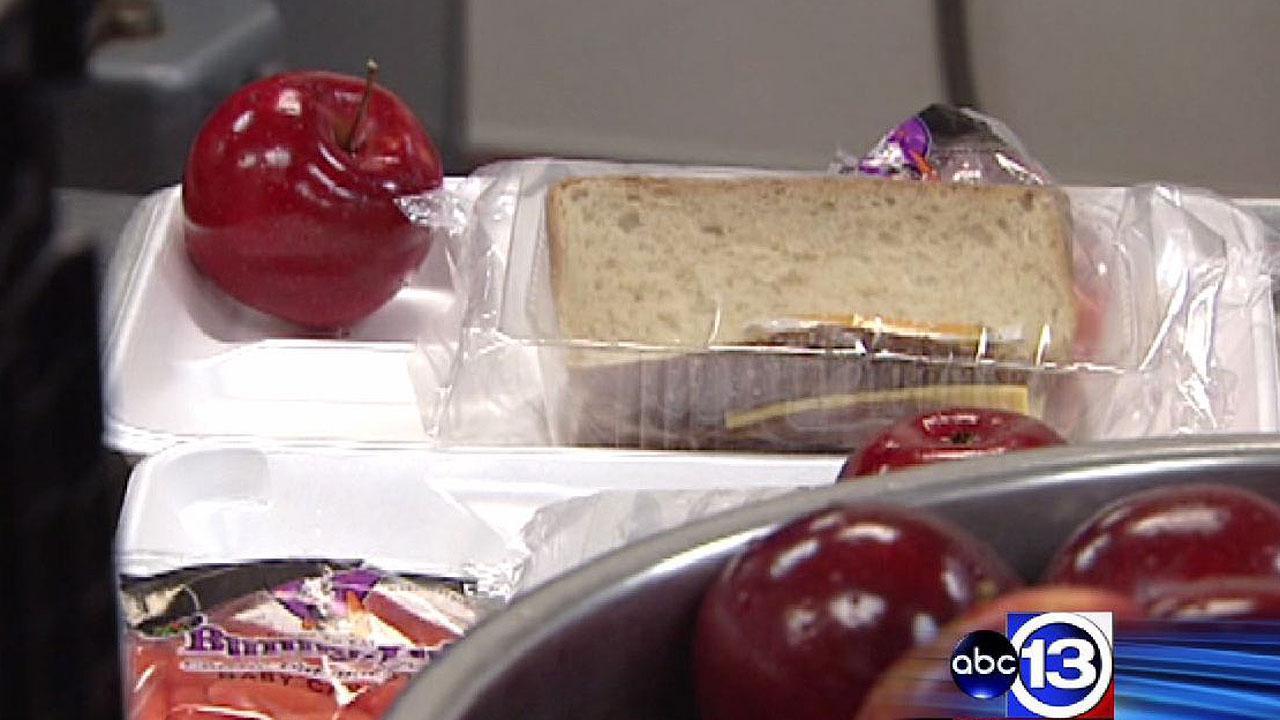 Free summer meal program kicks off for Houston area kids and teens