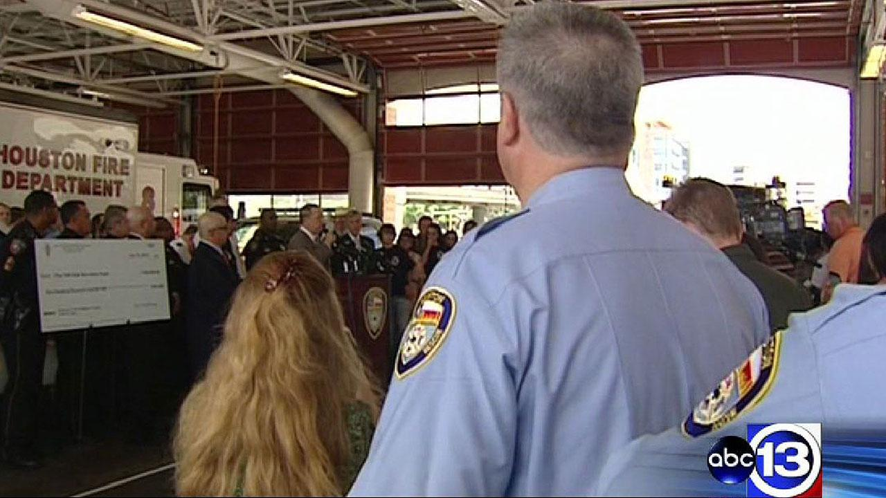 100 Club receives generous donation for families of HFD firefighters