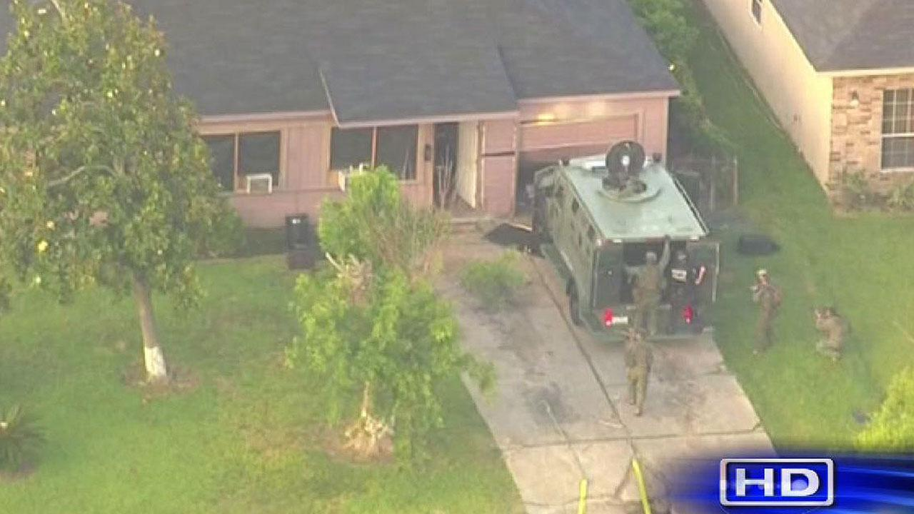 Drug warrant turns into SWAT situation on Houston's south side