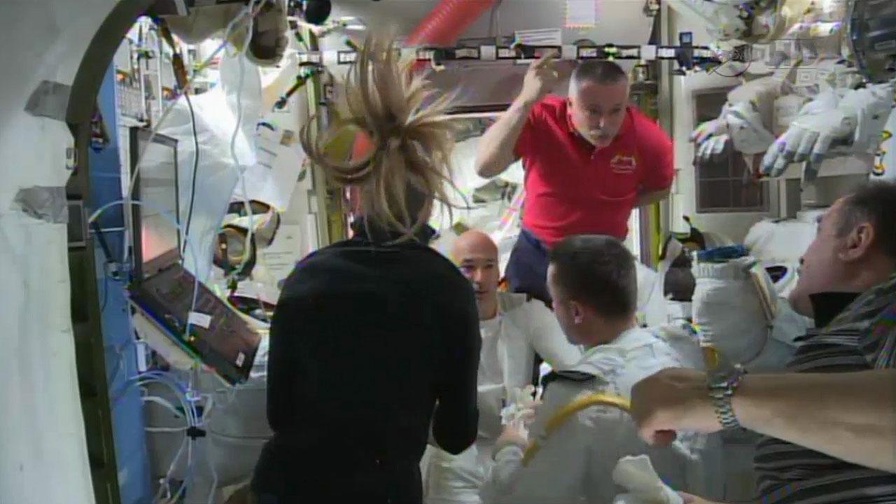 Astronauts discuss spacewalk