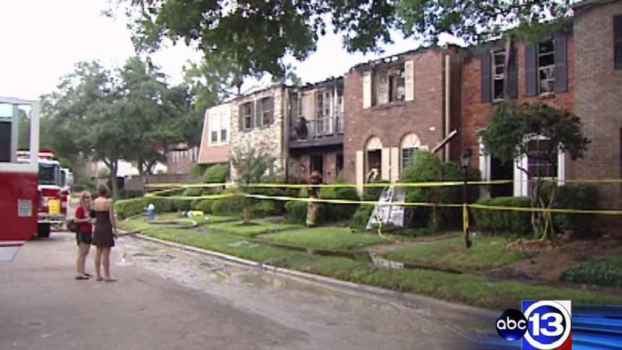 Seven townhomes destroyed in two-alarm Galleria-area blaze