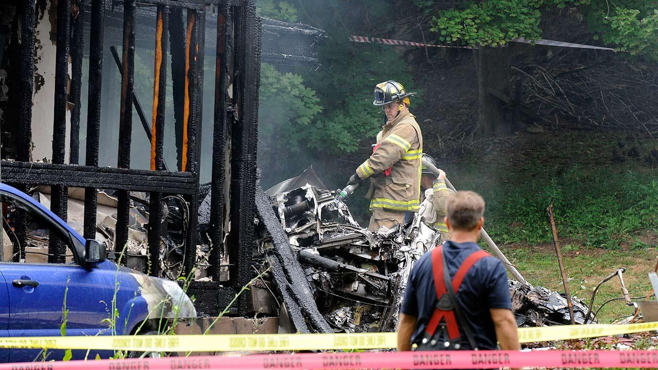 Small plane crashes into home near Tweed New Haven Airport
