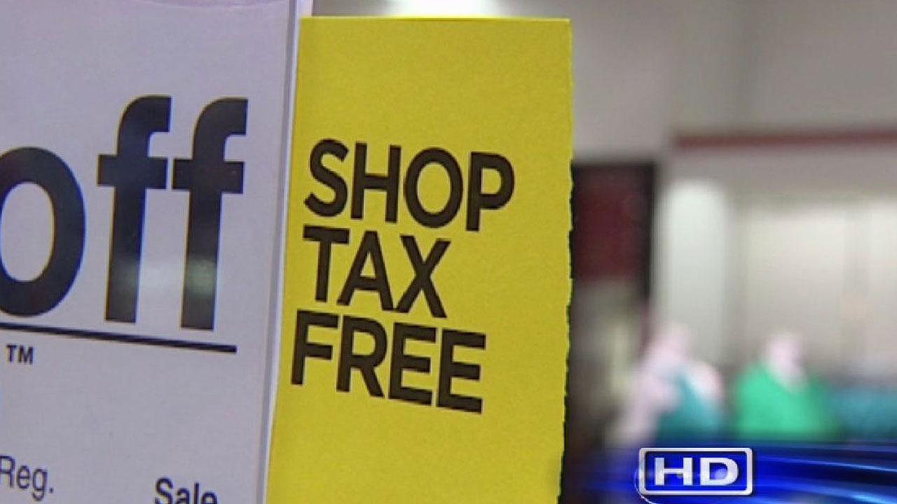 Houstonians take advantage of tax-free shopping