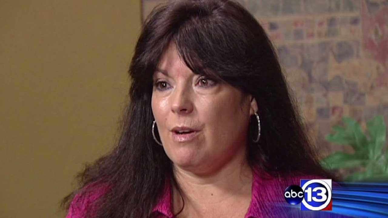 Woman sues former employer, claiming she was fired for standing up for coworkers