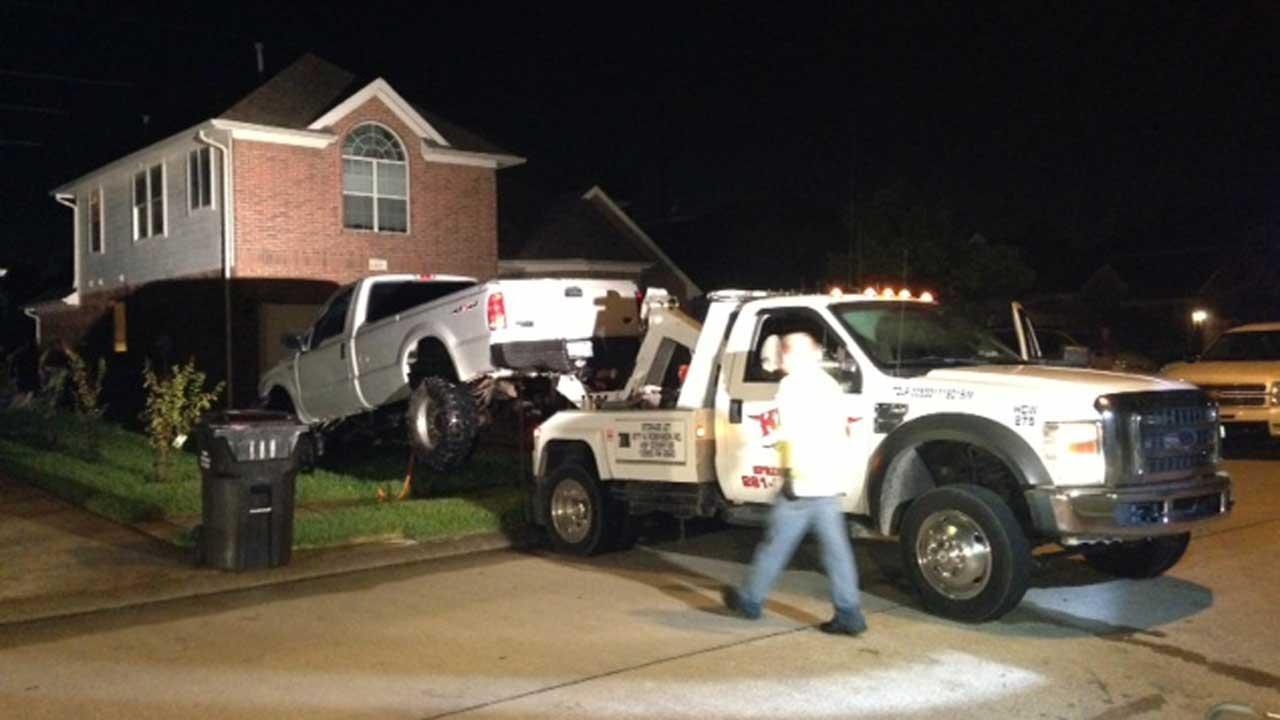 Truck slams into N. Harris Co. home, causing gas leak