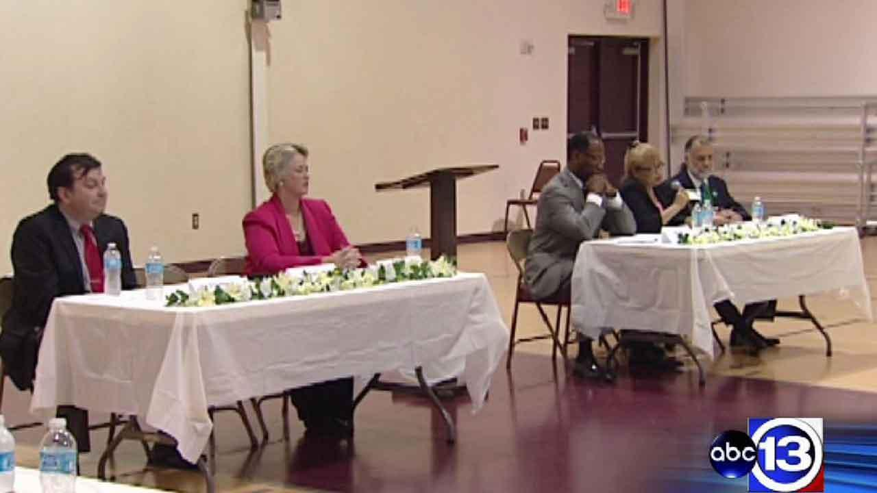 Houston mayoral candidates answer questions at forum