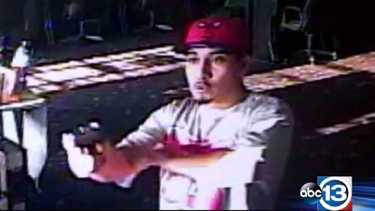 Man caught on camera during game room robbery, deadly shooting
