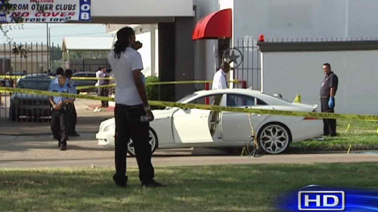 1 killed, 2 injured in shooting outside strip club
