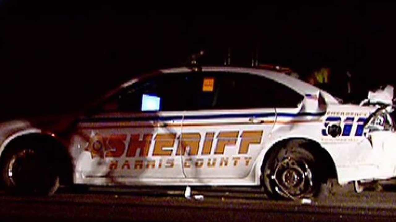 Deputy injured in crash