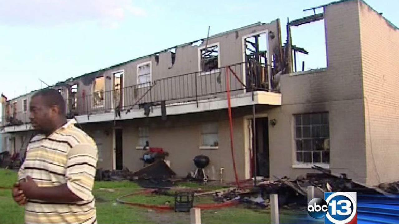 Apartment building in La Marque damaged by fire