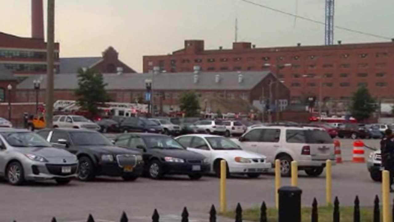 Gunman dead after deadly shooting at Navy Yard in Washington DC