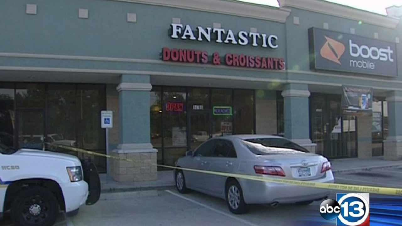 Donut shop owner shot during robbery in northwest Harris County