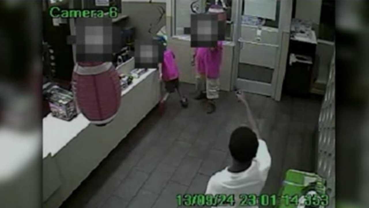 Robber's gun jams in Fort Worth McDonald's