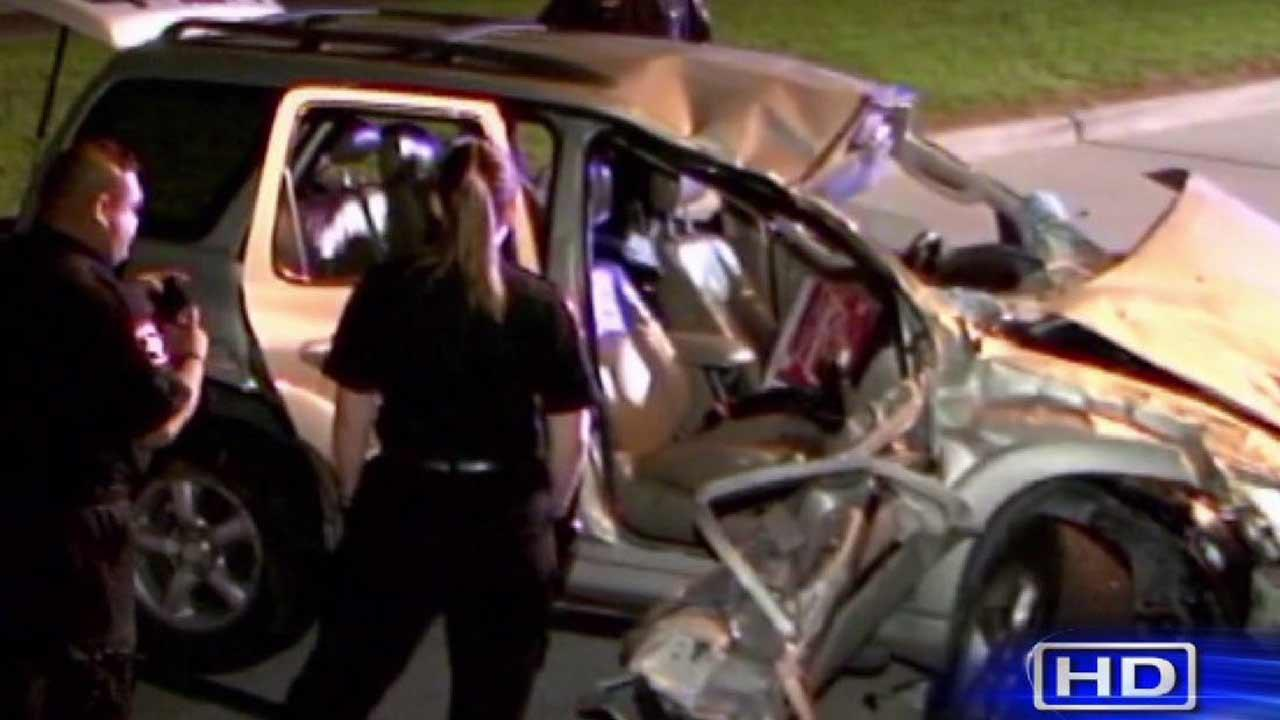 1 teen killed, 2 others injured in north Harris County crash