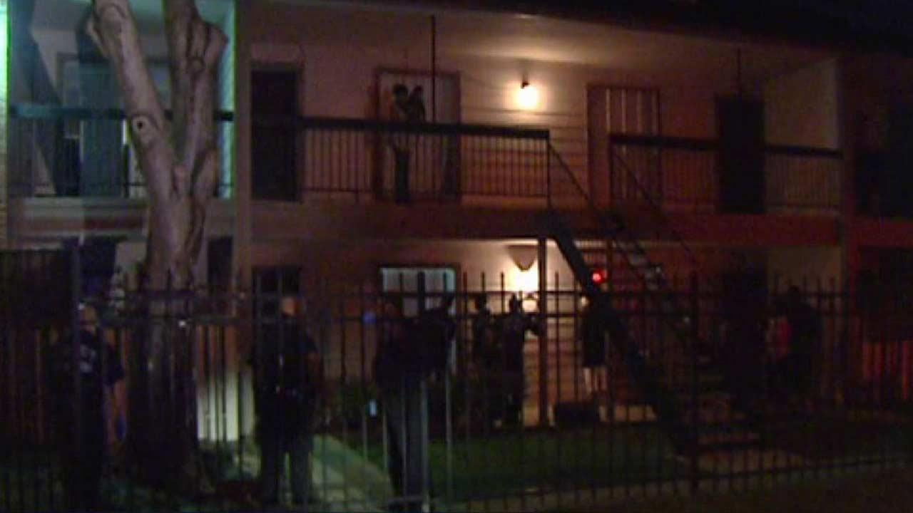 Fight leads to stabbing in SW Harris Co.