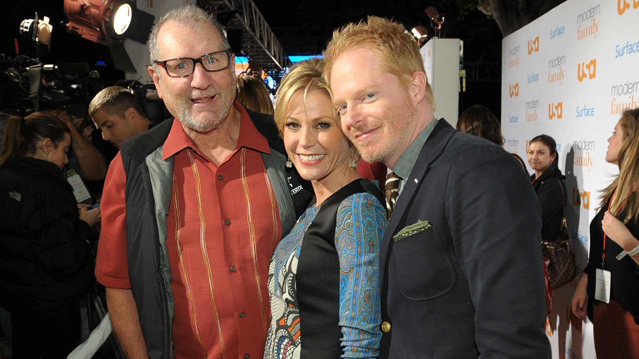 Cast members, from left, Ed ONeill, Julie Bowen, and Jesse Tyler Ferguson attend USA Networks Modern Family Fan Appreciation Day