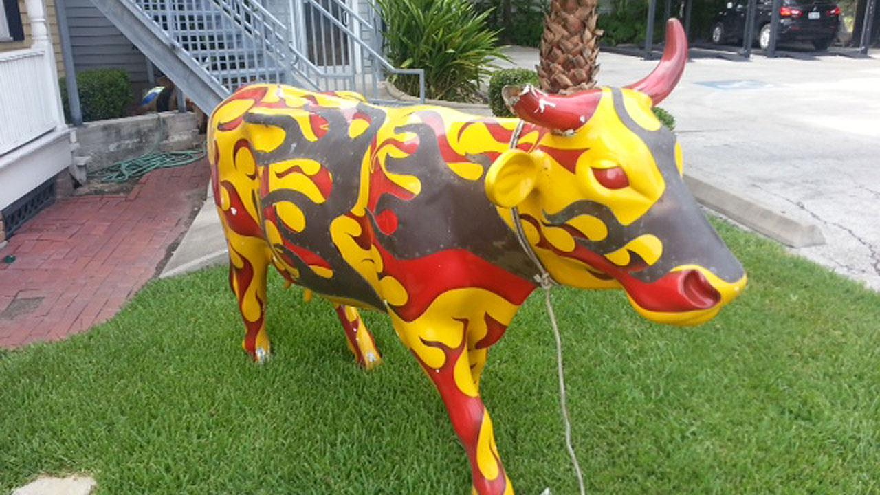 Cow statue stolen from Heights found in northwest Houston