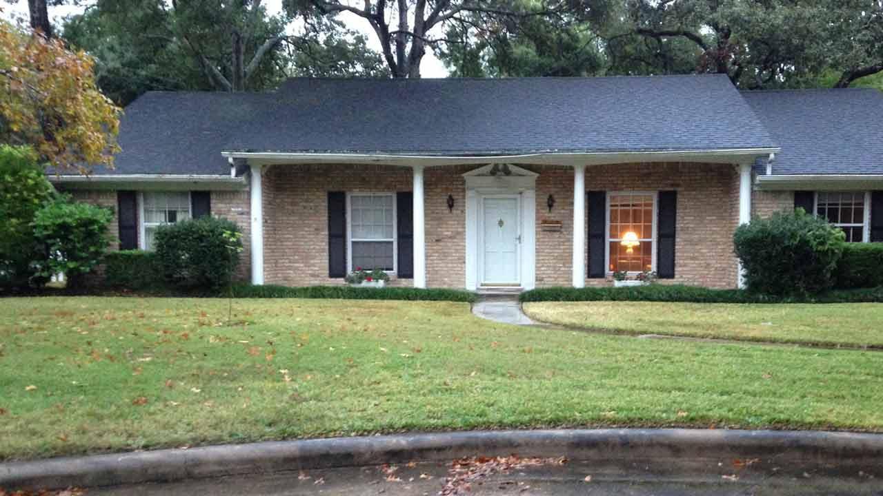 Northwest Houston homeowner holds suspected burglar at gunpoint