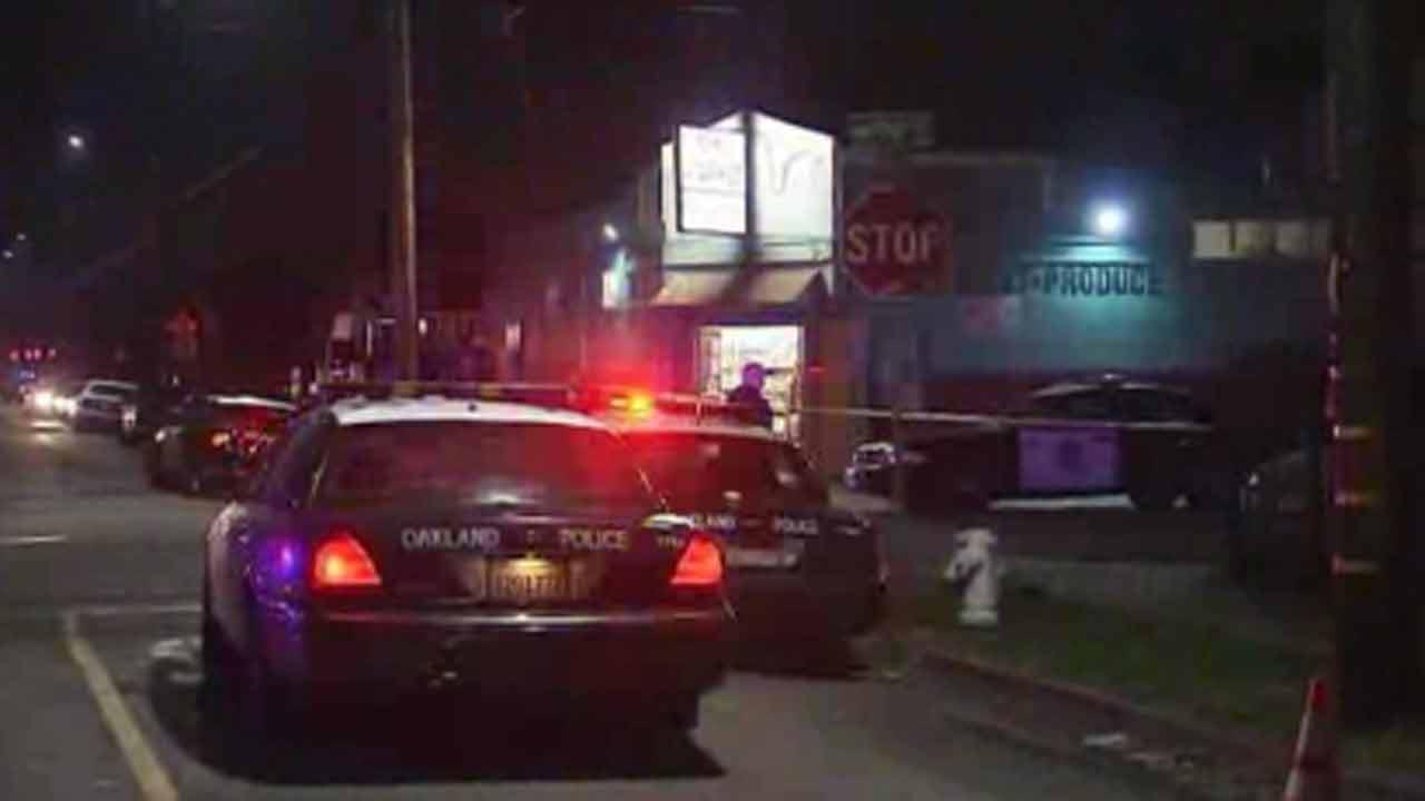 Police: 7 wounded in shootings near Oakland park