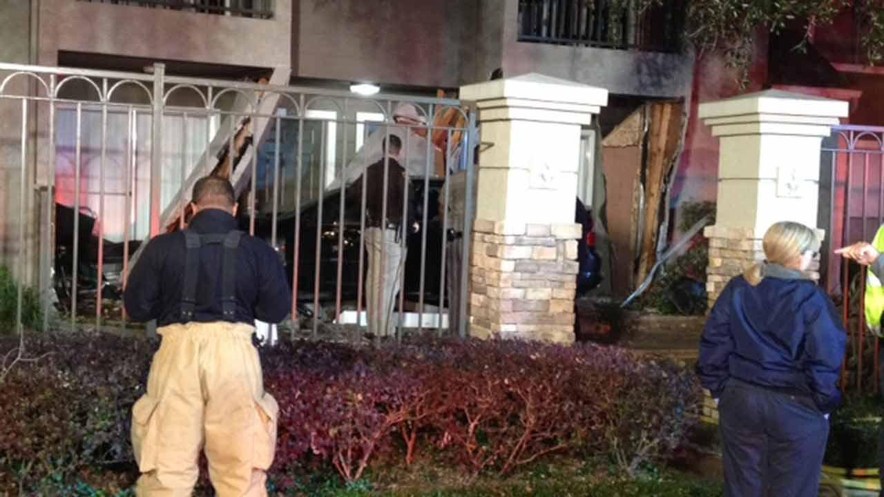 Car nearly hits apartment in Ft. Bend County