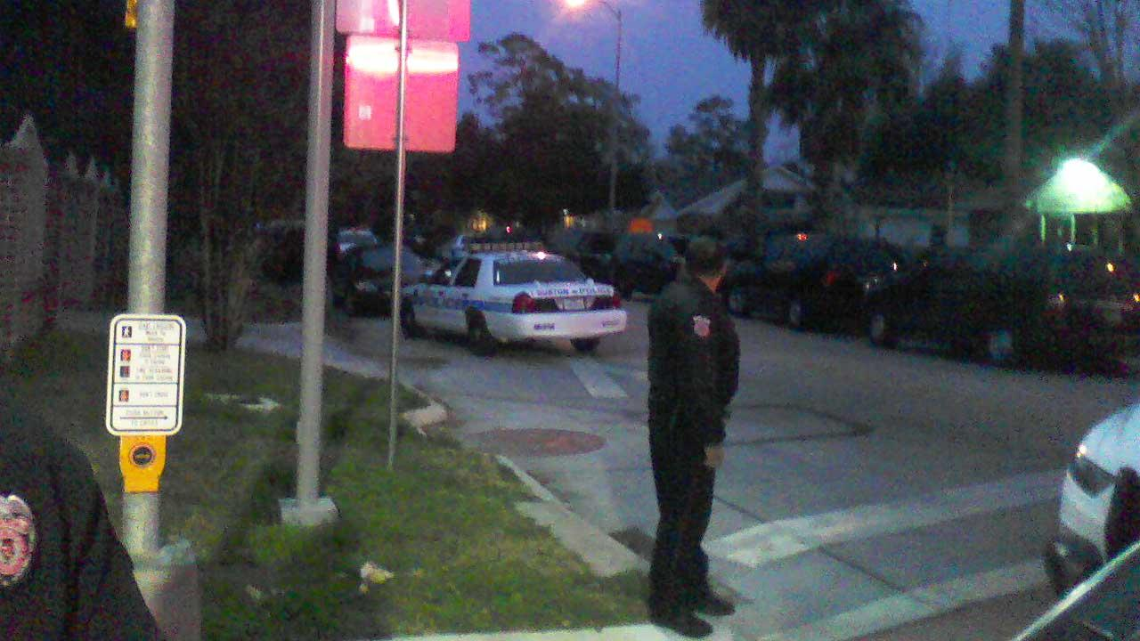 SWAT scene in north Houston ends peacefully with suspect's arrest
