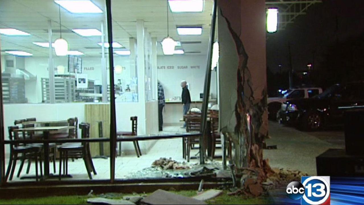 Car crashes into donut shop