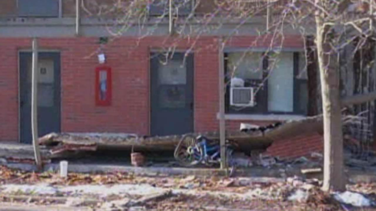 Missouri firefighter killed at walkway collapse